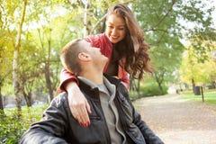 浪漫夫妇在公园,秋天集合 免版税库存图片