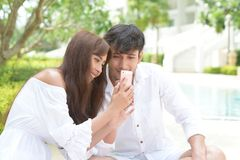 浪漫夫妇婚礼摄影 免版税库存照片