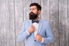 浪漫婚姻的成套装备 绅士样式理发师 理发店包裹的提议范围新郎的 E 库存照片