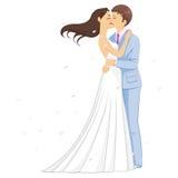 浪漫婚礼亲吻 免版税库存照片