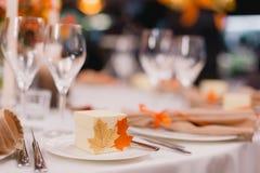浪漫婚礼桌selectiveve焦点, 免版税库存照片