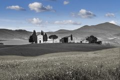浪漫小教堂VITALETA 田园诗托斯卡纳风景 顶面吸引力在意大利 著名旅行目的地 库存照片