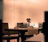 浪漫桌或工作晚餐 免版税库存照片