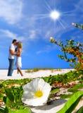 浪漫海滩的时候 免版税库存照片