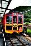 浪漫火车在Arashiyama,日本 免版税库存图片