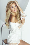 浪漫白肤金发的妇女 库存图片