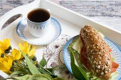 浪漫的早餐 免版税库存照片