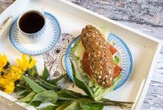 浪漫的早餐 免版税库存图片