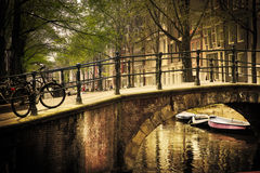 浪漫阿姆斯特丹的桥梁 库存图片