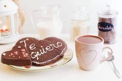 浪漫ValentineÂ的天早餐,快餐 免版税库存图片