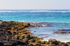 浪潮起伏的水的Griffiths海岛 库存图片
