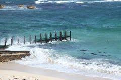 浪潮起伏的码头海运 库存照片