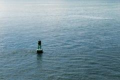浮体在大西洋用水围拢了 库存照片