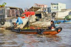 浮动市场,湄公河三角洲,芹苴市,越南 库存照片