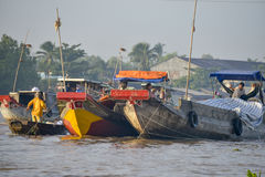 浮动市场,湄公河三角洲,芹苴市,越南 免版税库存照片