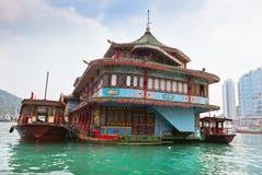 浮动村庄在阿伯丁在香港咆哮 库存图片