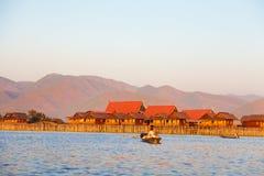 浮动村庄房子在Inle湖,缅甸 库存图片