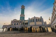 浮动清真寺在丹戎Bungah,槟榔岛马来西亚 免版税库存图片