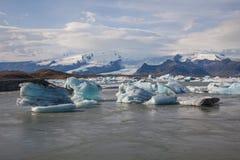 浮动的冰山 免版税库存图片