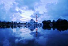 浮动的清真寺 免版税库存照片