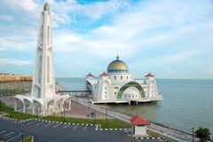 浮动的马六甲清真寺海峡 库存照片
