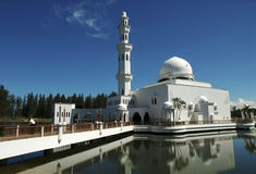 浮动的马来西亚清真寺terengganu 库存照片
