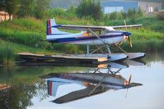 浮动飞机 免版税库存图片