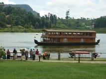 浮动餐馆在Gregory湖 库存照片