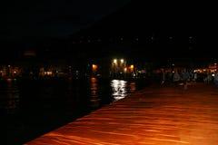 浮码头夜图象 库存照片