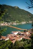 浮码头苏尔扎诺大角度垂直的视图 免版税库存图片