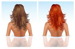 浴深色的女孩头发红色采取 免版税库存照片