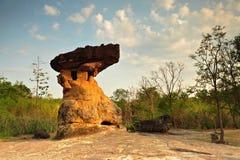 浴phra phu石头奇怪的thailan udonthani 免版税图库摄影