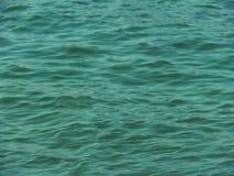 海波浪,绿松石水, 图库摄影