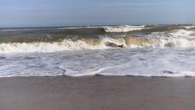 海†‹â€ ‹夏天泡沫似岸的波浪 股票录像