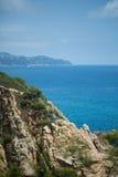 海、太阳和岩石 免版税图库摄影
