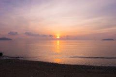 海上普吉岛泰国的早晨 免版税库存照片