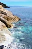 海上瓦拉泽的海岸  库存照片