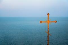海上的十字架 免版税图库摄影