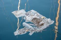 海上的废物 图库摄影