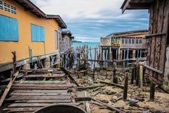 海上的木房子 免版税库存照片