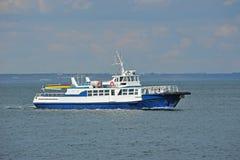海上的汽艇 库存图片