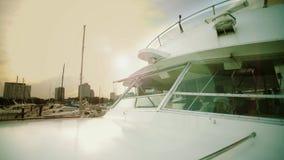 海上的船,指挥桥梁或控制室在看法里面 股票视频