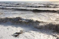 海上的风暴 背景彩色插图模式无缝的向量水 大通知 阳光 库存图片