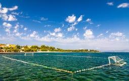 海上的水球操场 免版税库存图片
