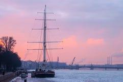 海上航行的结尾 免版税库存照片