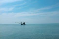 海上选拔船 免版税库存图片
