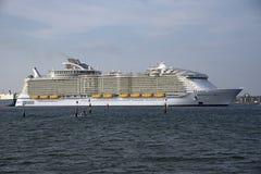 海世界的最大的游轮的和谐 库存图片