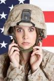 海军陆战队员惊吓了妇女 库存图片