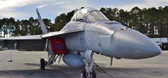 海军F-18大黄蜂喷气式歼击机 免版税图库摄影