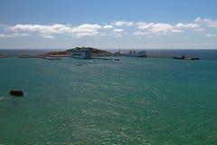 海口和巡航终端水地区  Ibiza,西班牙 库存图片